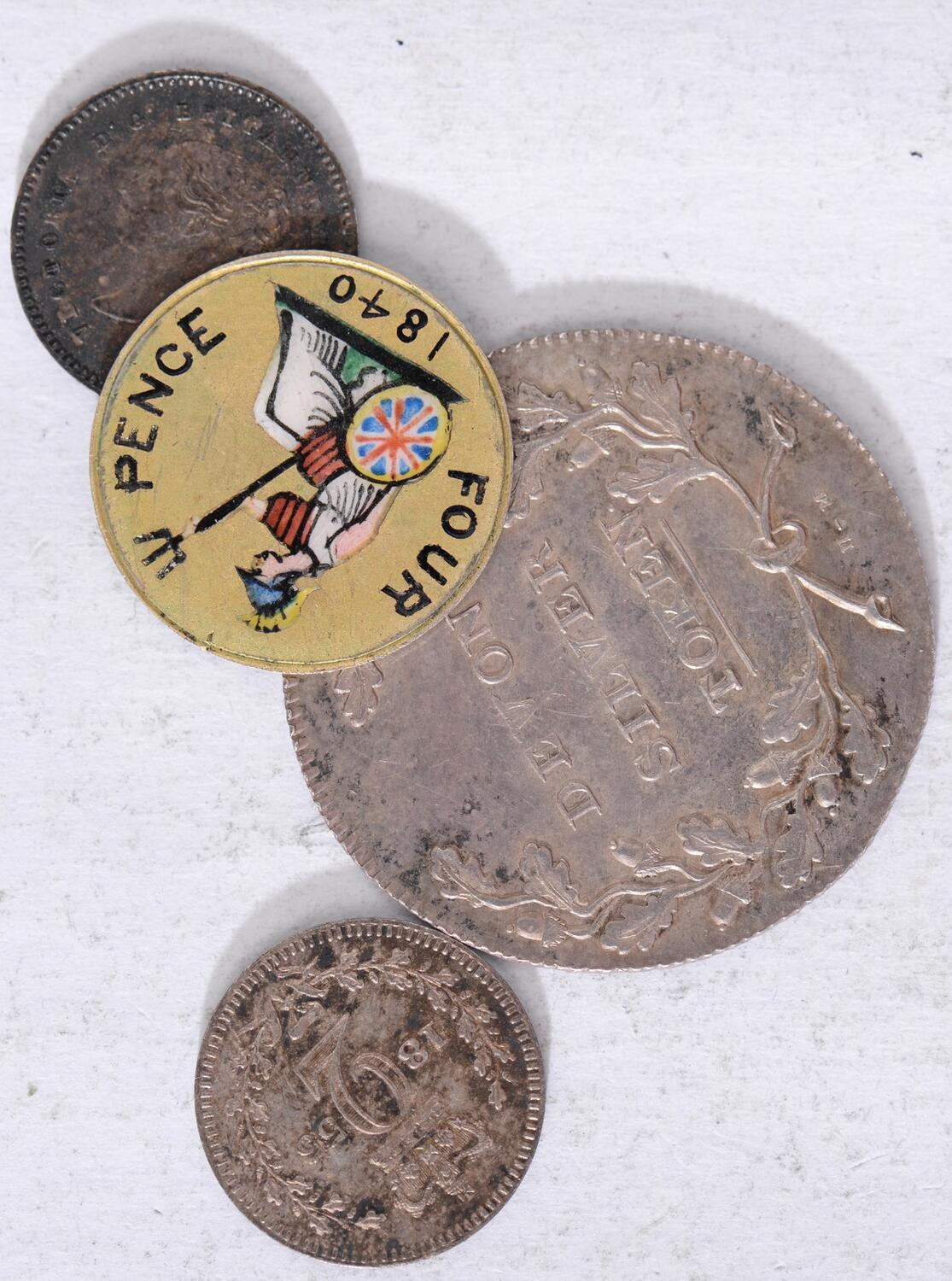 two sides enameled 23mm Pendant Bahamas enamelled coin  10 cent    Drill Hole 1966 1968 1969 1971 1972 1973